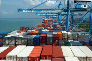 تجدید نظر در نحوه صدور بخشنامه های واردات و صادرات